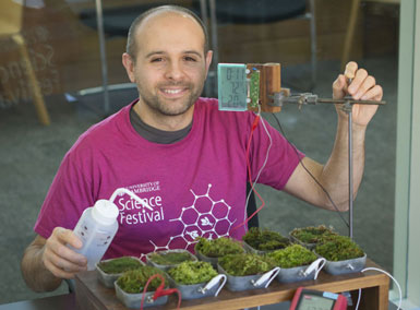 Green Technology Spotlight: Tapping Electricity From Moss