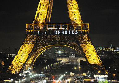 Eiffel-Tower-Climate-Agreem.jpg